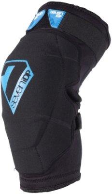 Štitnik Koljena 7IDP Flex, black-blue XL